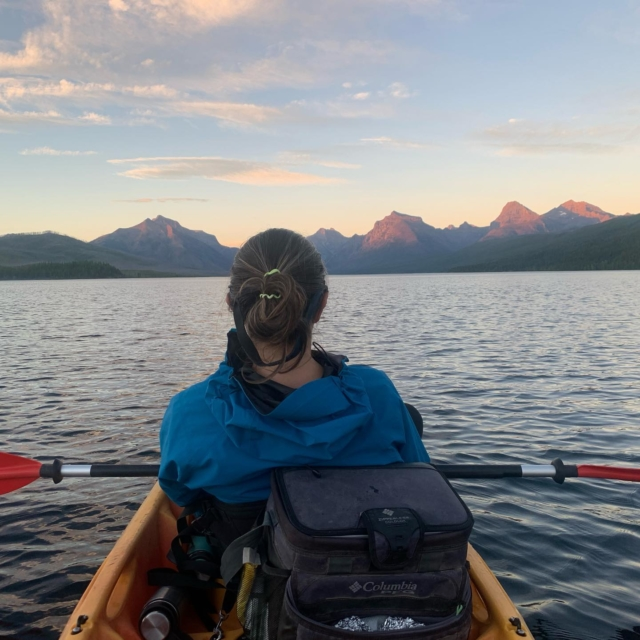 We had an awesome week in Glacier National Park. We hiked to Hidden Lake (the same day the bear chased the group of hikers on that trail 😱), hiked to waterfalls and enjoyed several awesome sunsets on Lake McDonald in our kayak with a picnic. We even had friends in the area - always nice when our path crosses with a friend! Part 2 coming soon!